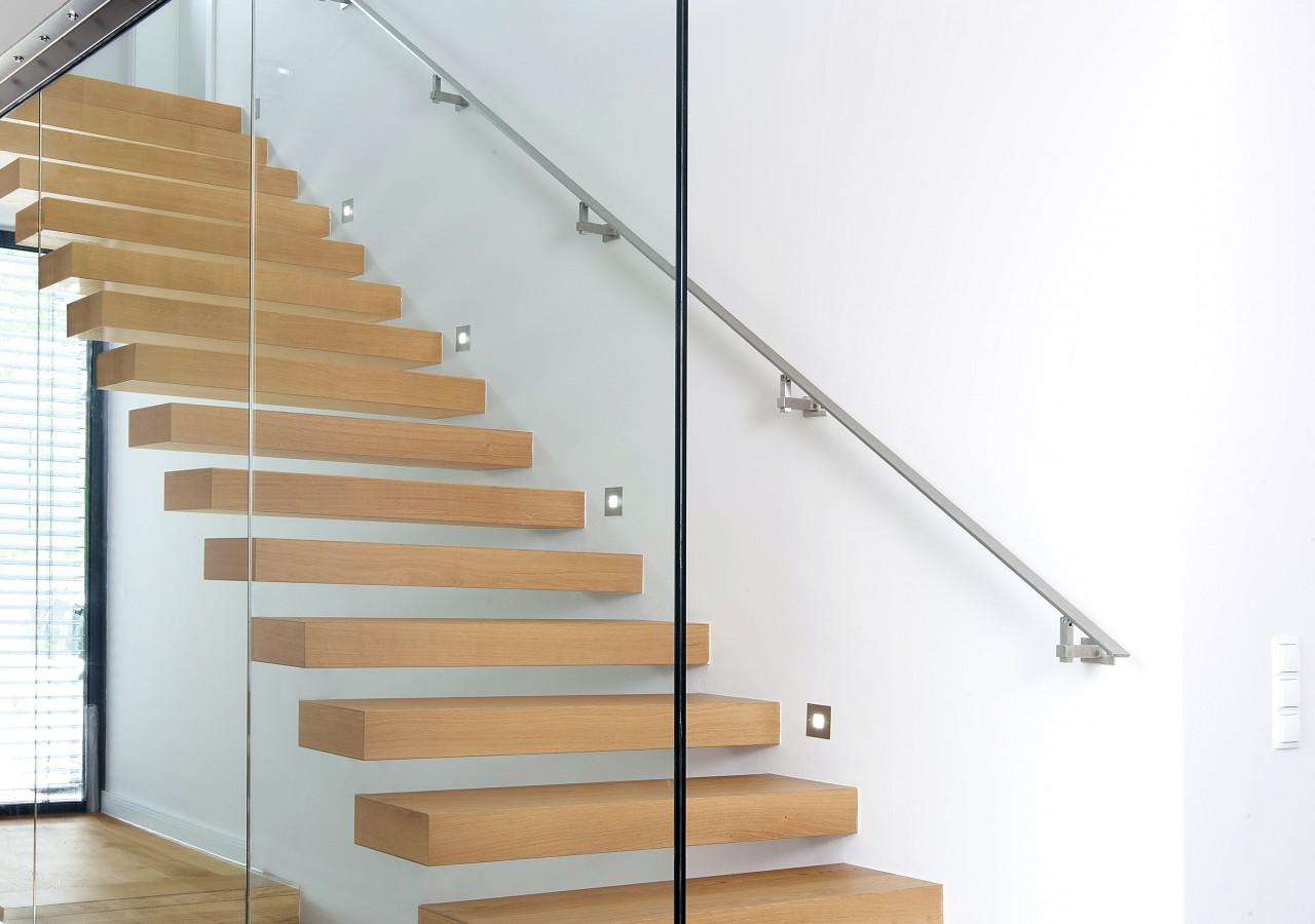 escaliers en bois sans contre marches menuiserie weber. Black Bedroom Furniture Sets. Home Design Ideas